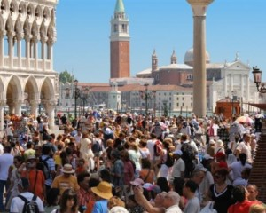 resized_Venice- San Marco Crowd (Small)