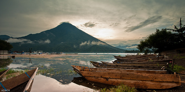 Santiago - Lago de Atitlan