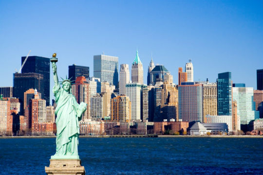 new-york-harbour-with-statue-of-liberty